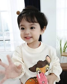 Image may contain: one or more people Cute Baby Boy, Cute Little Baby, Cute Little Things, Little Babies, Cute Kids, Little Boys, Cute Asian Babies, Korean Babies, Cute Babies