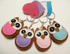 Easy Felt Crafts For Toddlers and Pics of Arts And Crafts Using Felt. Easy Felt Crafts, Felt Diy, Owl Crafts, Cute Crafts, Easter Crafts, Craft Projects, Sewing Projects, Felt Keychain, Felt Crafts Patterns