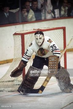 Blackhawks Hockey, Hockey Goalie, Chicago Blackhawks, Hockey Room, Action Pictures, Stars Hockey, Hockey World, Goalie Mask, Vancouver Canucks