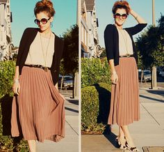 The Sew Knit Create Shop: Style Crush ~ Midi Skirts Modest Outfits, Skirt Outfits, Modest Fashion, Modest Clothing, Summer Outfits, Pleated Midi Skirt, Dress Skirt, Midi Skirts, Long Skirts