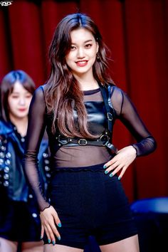 Asian Love, Beautiful Asian Women, Stage Outfits, Kpop Outfits, Mean Girls, South Korean Girls, Korean Girl Groups, Kim Chungha, Unique Faces