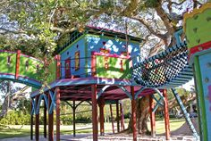 "Location: Saratoga, FL Barbara's tip: ""The space under a big deck is great for hanging monkey bars.""    - CountryLiving.com"