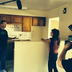 Larry telling Amie he's NOT tearing out the island! Yes, you will!  #BehindTheScences #FlippingVegas