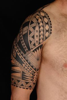Samoan tattoo deltoids shoulder arm half sleeve