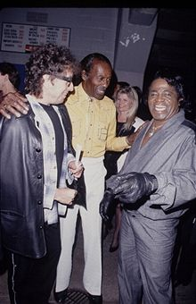 Bob Dylan, Chuck Berry, James Brown, (1990) - another photo, but color photo from an different angle.