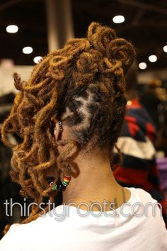 """This is the color I want to """"Dip Dye"""" my Locs. Is it Gold, Blonde, chestnut?? What is it?"""