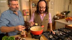 Hairy+Bikers+Ploughdue+(Ploughman's+lunch+fondue)+with+cheddar+cheese+and+beer+on+Best+of+British