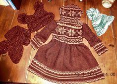 dětské šaty, čepice, šála