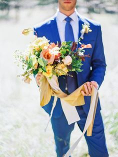 Fall blooms: http://www.stylemepretty.com/2015/10/06/fall-honey-wedding-inspiration/ | Photography: Daniel Kim  - http://danielkimphoto.com/