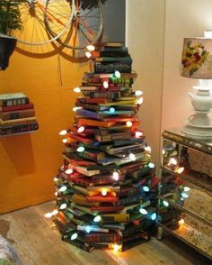 christmas book tree!  really cute!