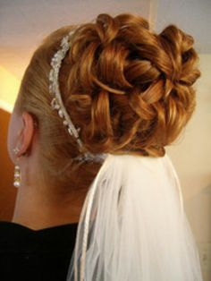 Gorgeous Updo Wedding Hairstyles For Brides - Wedding Updo Hairstyles - Zimbio Curly Wedding Hair, Bridal Hair Updo, Wedding Hairstyles For Long Hair, Wedding Updo, Bride Hairstyles, Trendy Hairstyles, Easy Hairstyles, Short Haircuts, My Hairstyle