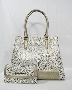 Brahmin Handbags, Satchel Handbags, Purses And Handbags, Laptop Shoulder Bag, Crossbody Shoulder Bag, Leather Shoulder Bag, Luxury Purses, Black Cross Body Bag, Handbag Accessories