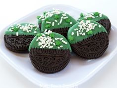 St Patrick's Day cookies. Use thin mints.