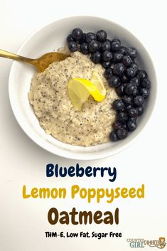 Eating blueberry lemon poppyseed oatmeal gives your body nutritional benefits including antioxidants, vitamin C and healthy carbohydrates. Blueberry Oatmeal, Blueberry Breakfast, Chocolate Oatmeal, Vegan Oatmeal, Breakfast Items, Breakfast Bowls, Healthy Carbs, Eating Healthy, Healthy Foods