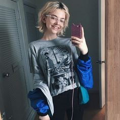 Kira Rausch(@granitsysterty) - Instagram photos and videos | WEBSTAGRAM Short Hair Bun, Short Hair Styles, Hipster Girls, Hair Reference, Stylish Girl, Pretty Hairstyles, Blonde Hair, Rose Blonde, Pretty People