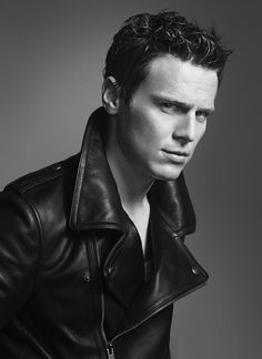 """Jonathan Groff para OUT Magazine Febrero 2014 """"The love Issue"""""""