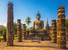 Sukhothai - (Thailand's First Capital) - ancient ruined city in northern Thailand. Watch: http://destinations-for-travelers.blogspot.com.br/2015/08/sukhothai-thailand-tailandia.html