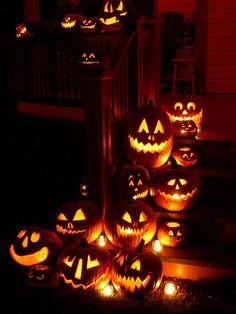 The Chic Technique: Purple Pumpkin Lights lights animated candle gif pumpkin halloween halloween pics
