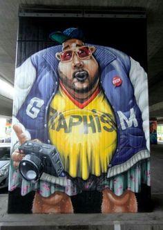 Street Art by Eazy - Munchen, Germany (LP) Urban Street Art, Best Street Art, 3d Street Art, Street Artists, Murals Street Art, Street Art Graffiti, Mural Art, 3d Street Painting, L'art Du Portrait