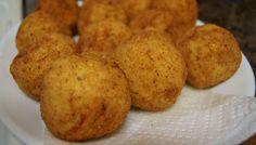 L'un des plats les plus appréciés de la cuisine sicilienne : les arancini de riz. Des croquettes de riz, mais pas que, panées et frites, qui constituent le...