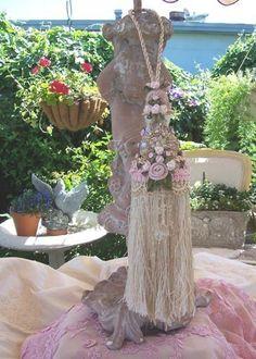 2DIE4... VictorianCHIC...Reich verzierte Perlen Quaste... X-LG....Erbstück Vintage inspiriert... on Etsy, CHF21.07