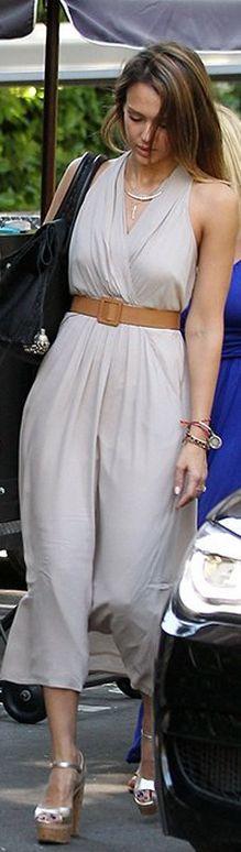 Jessica Alba: Dress – Ella Moss  Shoes – Brian Atwood  Purse – Simone Camille