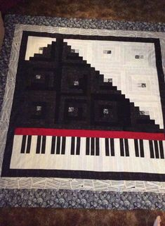 Beautiful quilt!  And I love the inside border fabric - sheet music!  (Did you see what I did there?  So punny!  SHEET music!)  LOL!