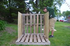 DIY Doghouse from Wooden Pallets