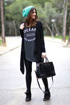 trendy_taste-look-outfit-street_style-ootd-blogger-fashion_spain-moda_españa-leather_leggings-leggings_vinilo-knitting-gorro_lana-wool_beanie-michael_kors-sneakers-steve_madden-polaroid-10 by Trendy Taste, via Flickr