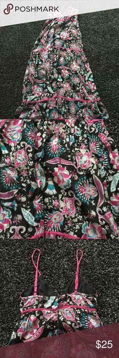 Floral Maxi Dress Maci dress. Very comfortable, beautiful colors. Size M Dresses Maxi