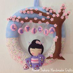 Guirlanda Porta de Maternidade tema Kokeshi sob Sakuras para a Letícia #sakura #kokeshi #japonesinha #cerejeira