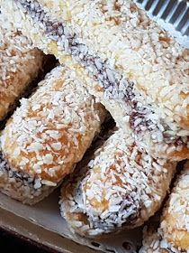 ΜΑΓΕΙΡΙΚΗ ΚΑΙ ΣΥΝΤΑΓΕΣ 2: Γεμιστά Σαβαγιάρ !!! Candy Recipes, Sweet Recipes, Greek Cookies, Greek Sweets, Trifle, Bagel, Biscuits, Sweet Tooth, Deserts
