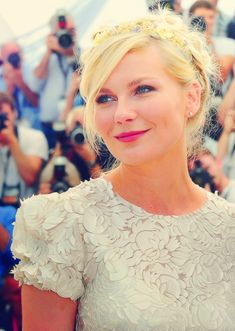 """Kirsten Dunst uses Nettoyant Creme, Lotion PS, Gommage, Alpha-Contour, Pamplemousse""// ~April 30~"