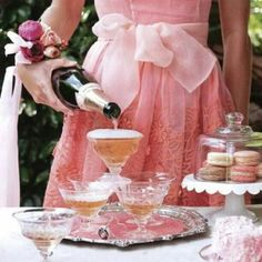 Rose and champagne with a fun Southern vibe, taken outdoors Tea Companies, Weekend Events, Teacups, Tea Time, Sunday Brunch, High Tea, Afternoon Tea, Babyshower, Goodies