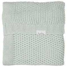 Deze deken van Koeka is niet alleen perfect op koude dagen, maar hij is ook een mooie toevoeging aan je interieur!
