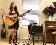 House concert in Mississippi. Last stop on this road trip before heading home to Austin!  - @kirisk #songwriter #houseconcert #nicholewagner