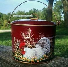 Vtg Tin Berry Pail Lunch Bucket Hp Red Rooster Daisies Wheat Hand Painted Photos and Information in AncientPoint Rooster Kitchen Decor, Rooster Decor, Chicken Crafts, Chicken Art, Rooster Art, Red Rooster, Arte Do Galo, Painted Milk Cans, Chicken Painting