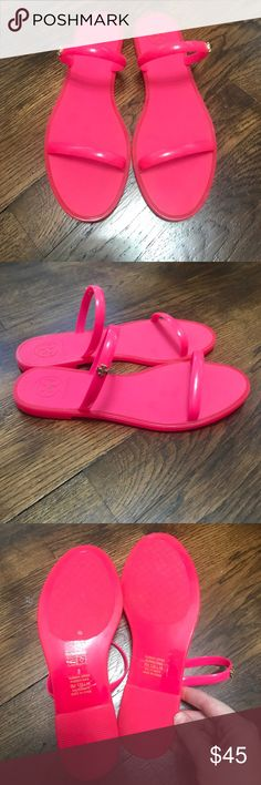 Tory Burch Jelly Sandals Jelly sandals in neon pink! Super cute. Two straps. Tory logo on side. Excellent condition. Worn once. Tory Burch Shoes Sandals