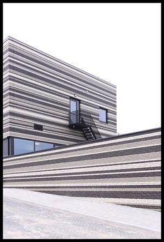 Grey Black and white brickwork!