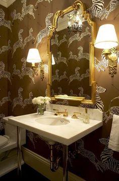 Lavabo com papel de parede de zebra