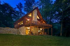 This relaxing cabin retreat features Pella ProLine windows. Pella Windows, Windows And Doors, Cabin Homes, Log Homes, My Dream Home, Dream Homes, Montana Homes, Little Cabin, Window Styles