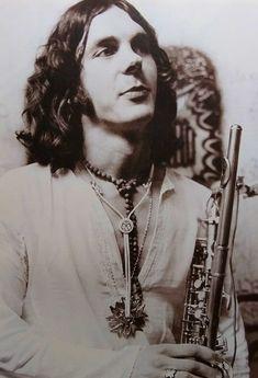 Ian McDonald (one mastermind behind many masterpieces…) King Crimson, Foreigner Band, Adrian Belew, John Wetton, Greg Lake, Hippie Culture, Atlantic Records, Progressive Rock, Jim Morrison