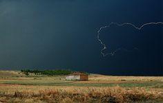 Tormenta y palomar en Tierra de Campos