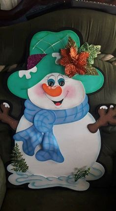 Marvia: ♥ Weihnachtsmann ♥ - Home Decor Ideas Christmas Signs Wood, Christmas Snowman, Christmas Time, Christmas Decorations, Christmas Ornaments, Snowman Crafts, Holiday Crafts, Diy And Crafts, Paper Crafts