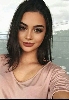 Everyday makeup look with brown eyes + pink lips | Pinterest @zoieskym