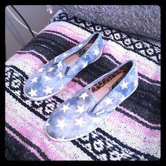 5051046b75763b VANS USA SLIP ONS SIZE 6 CUTE PATRIOTIC VANS - LIGHT BLUE WITH WHITE STARS. Vans  Shoes Sneakers