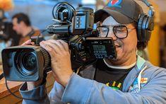 Capixaba trabalha na produção de seu segundo filme nos Estados Unidos | Brazilian Times Cinema, Romance, Boys, Entertainment, Movies, World, Fotografia, United States, Romance Film