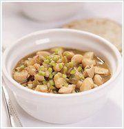 Tosca Reno's white bean chili