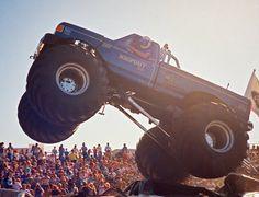 BIGFOOT IV Hot Rod Trucks, Rc Trucks, Cool Trucks, Cool Cars, Lifted Trucks, Big Monster Trucks, Monster Truck Party, Monster Jam, Real Monsters