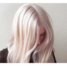 From greeny blonde to pearly white! @bleachlondon